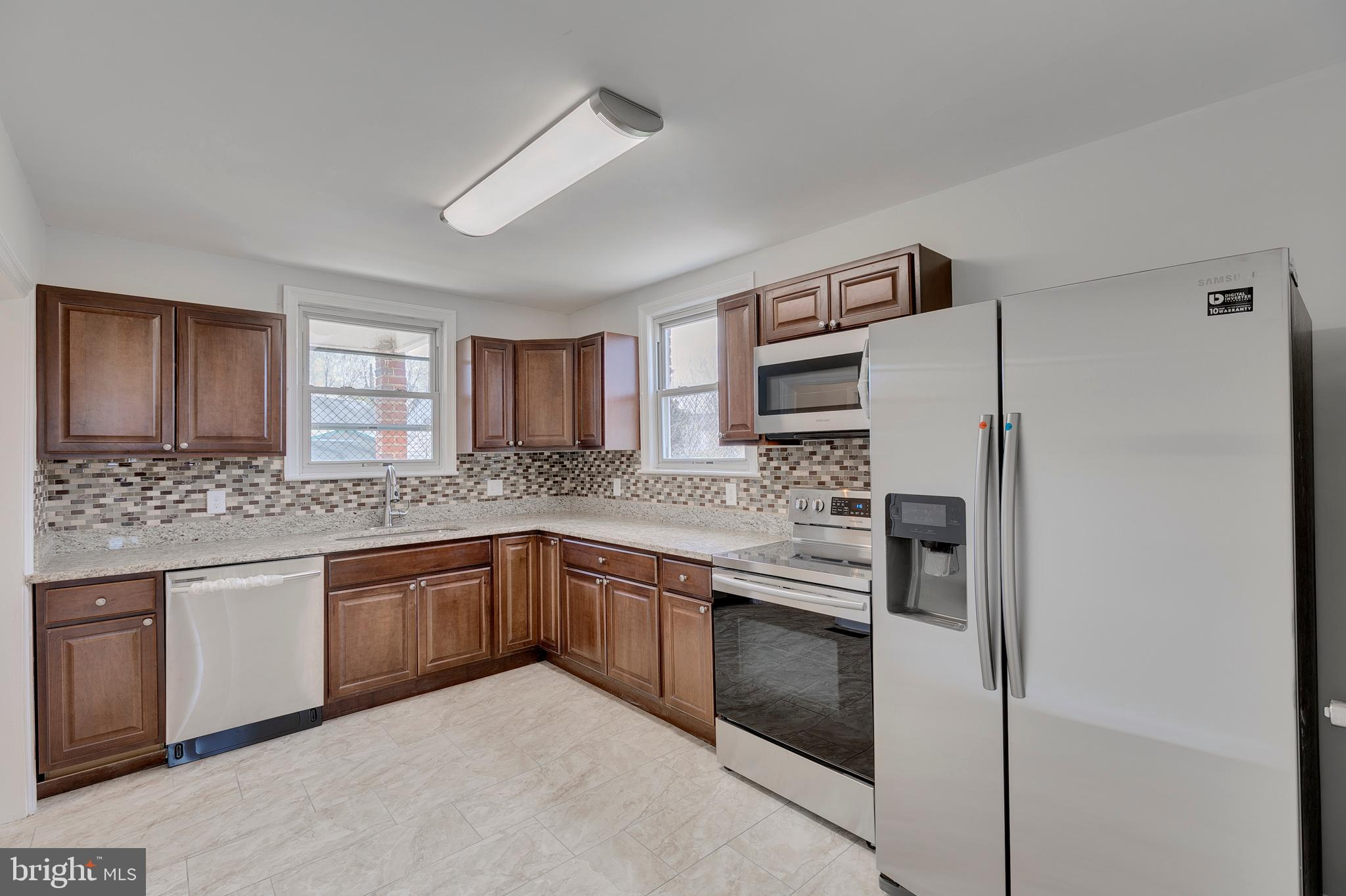 6019 OLD SILVER HILL ROAD, DISTRICT HEIGHTS, MD 20747