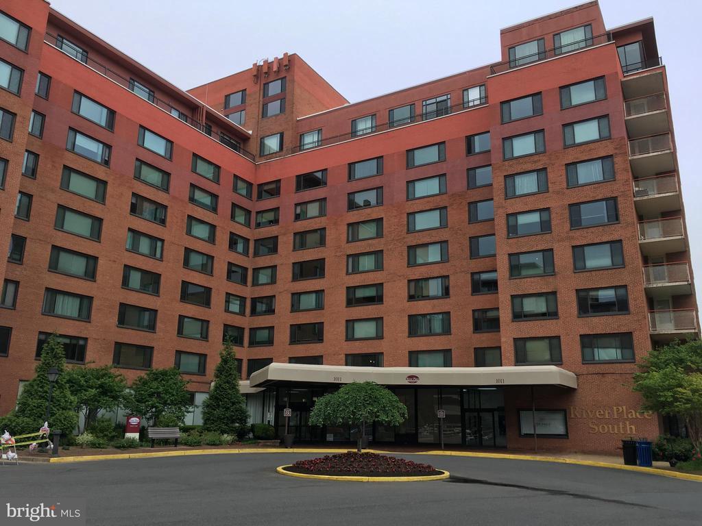 Arlington Homes for Sale -  Gated,  1011  ARLINGTON BOULEVARD  832