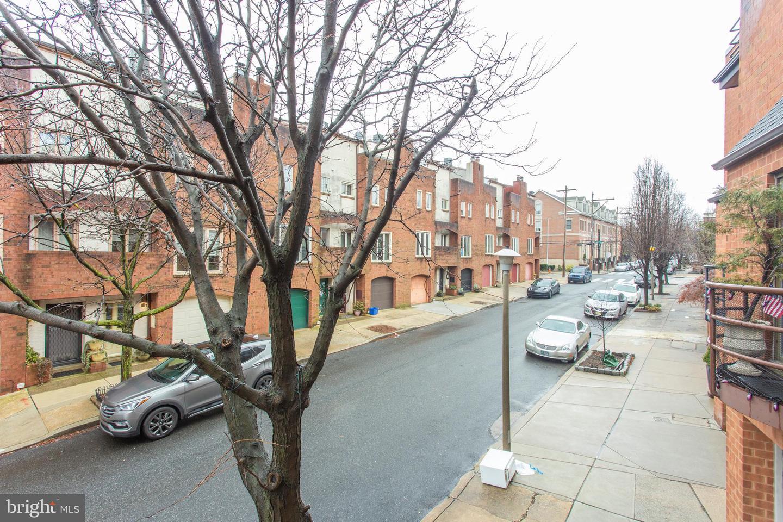 1 Queen Street UNIT #10 Philadelphia , PA 19147