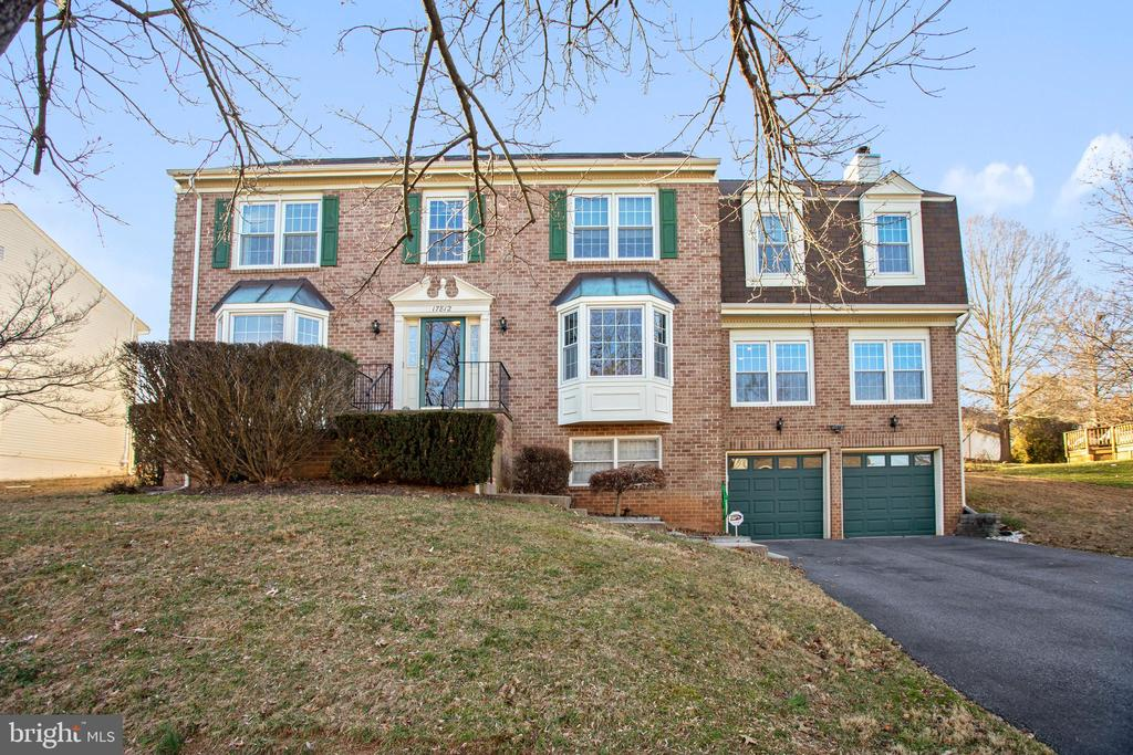 17812 STONERIDGE DRIVE, GAITHERSBURG, Maryland 20878, 5 Bedrooms Bedrooms, ,3 BathroomsBathrooms,Residential,For Sale,STONERIDGE,MDMC696244
