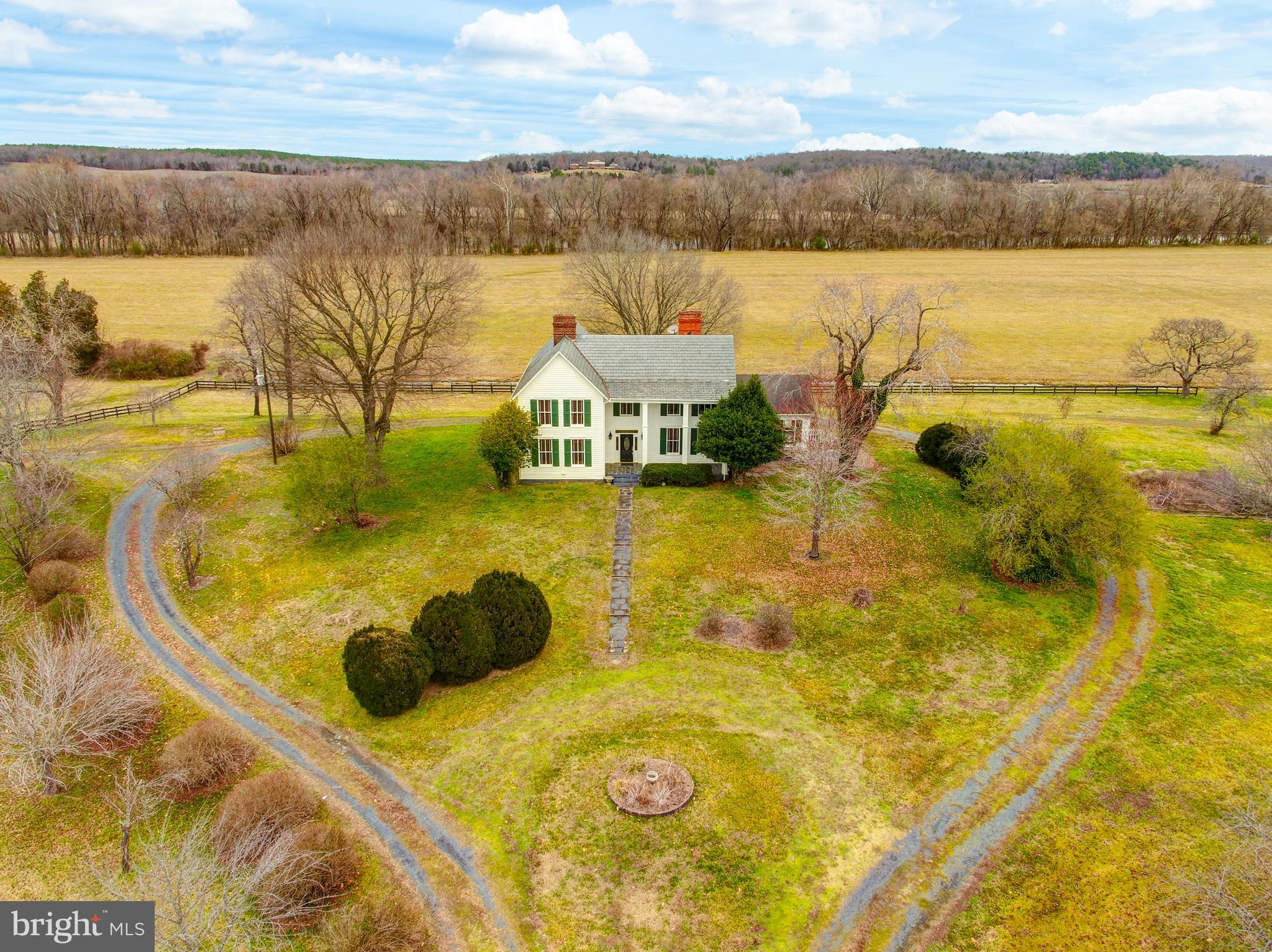 10335 W BRIDGEPORT ROAD, ARVONIA, VA 23004