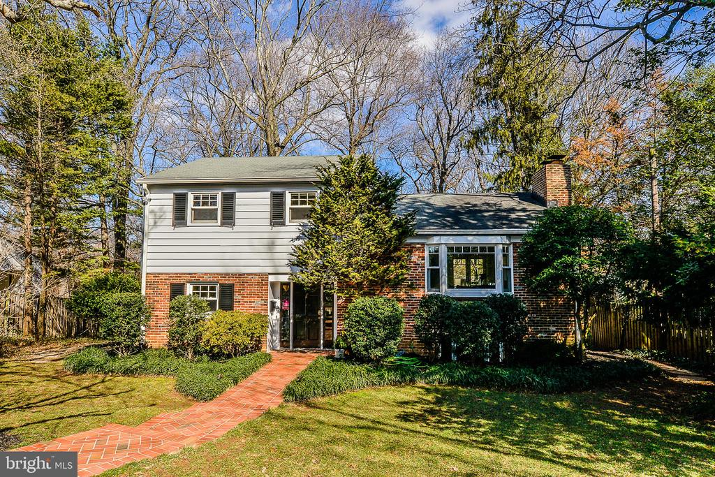 1601 Holly Ct, McLean, VA 22101