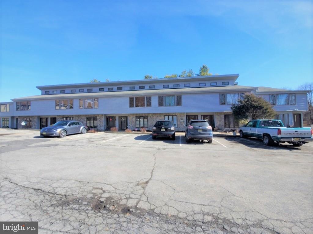 422 Iroquois Court, Lafayette, NJ 07848