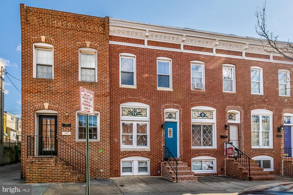 819 KENWOOD AVENUE, BALTIMORE, Maryland 21224, 2 Bedrooms Bedrooms, ,2 BathroomsBathrooms,Residential,For Sale,KENWOOD,MDBA500662