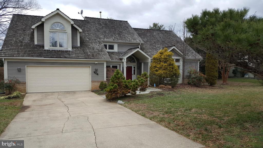 5404 Sideburn Rd, Fairfax, VA 22032