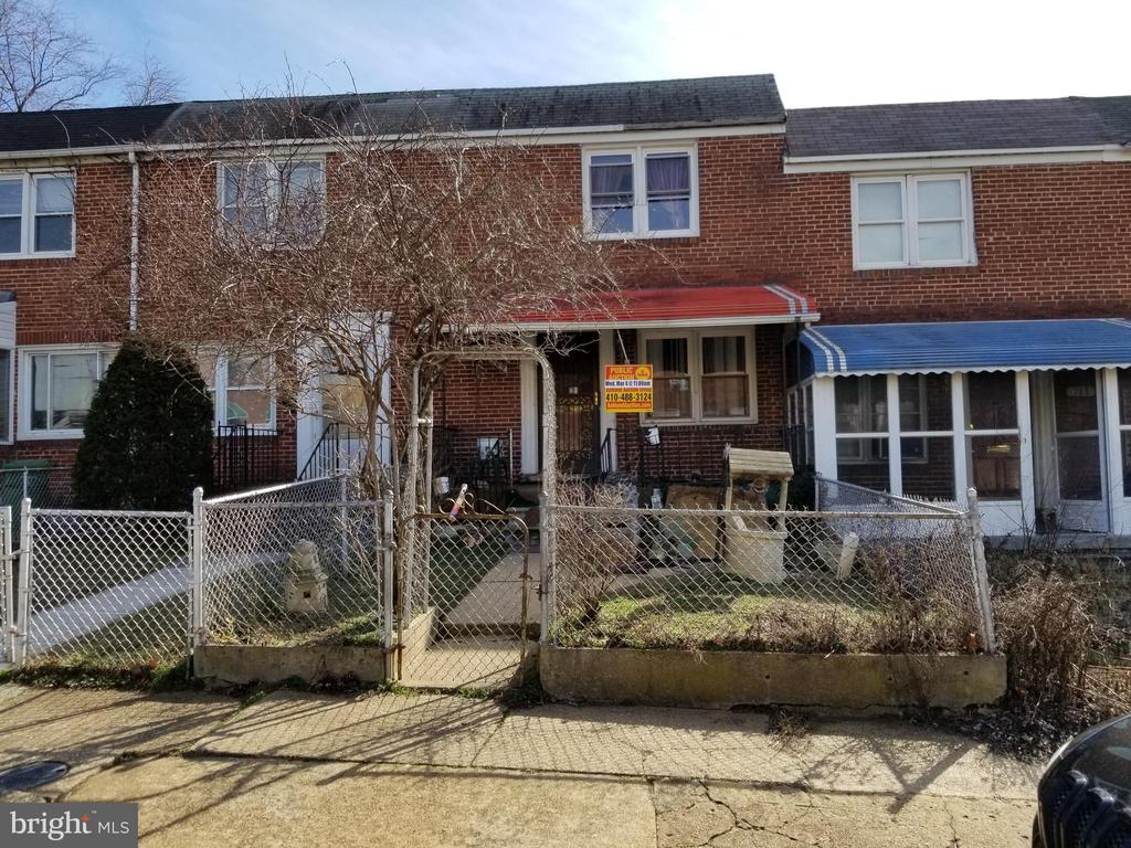 PUBLIC ONSITE AUCTION: Wednesday 03/04 @ 11:00am. List Price is Suggested Opening Bid. 2 Story Townhome in Cherry Hill. Property is vacant. 10% Buyer's Premium, or $1,000 whichever is greater. Deposit $2,000. For full Terms and Conditions contact auctioneer~s office.