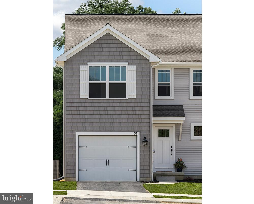 26 SOUTHSIDE DRIVE, WILLOW STREET, PA 17584