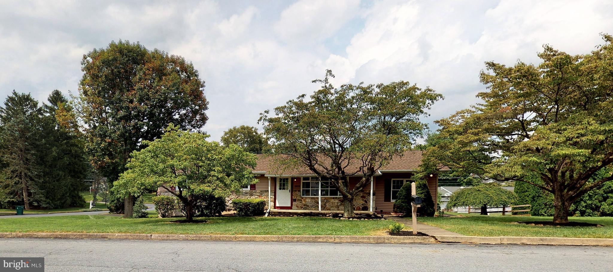 2923 CLAYTON STREET, EASTON, PA 18045