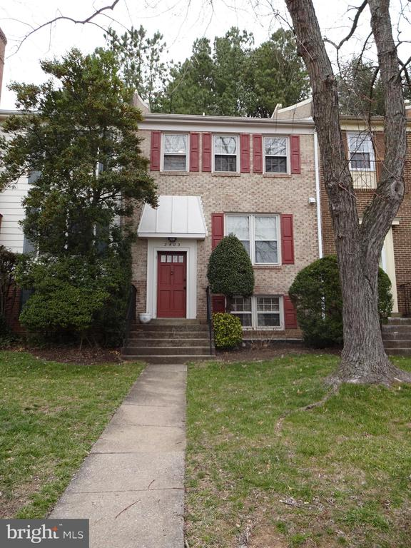 2403 Windbreak Dr, Alexandria, VA 22306