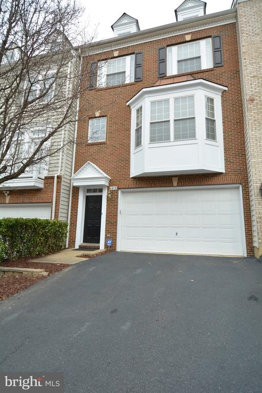 One of Alexandria 3 Bedroom Homes for Sale at 6878  ROLLING CREEK WAY