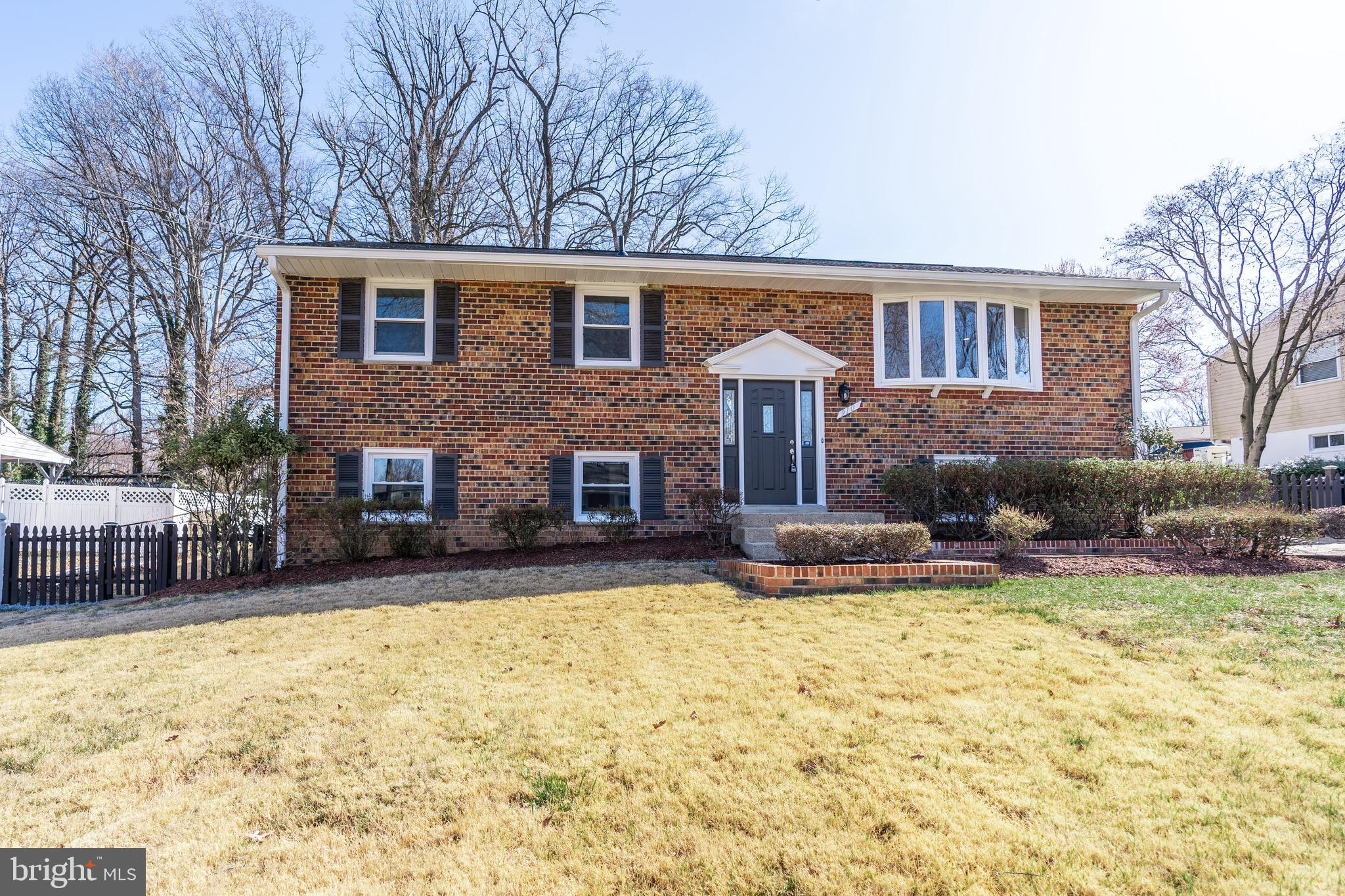 910 APPLEWOOD STREET, CAPITOL HEIGHTS, MD 20743