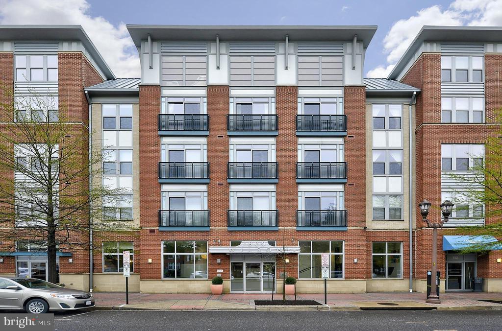1800 Wilson Blvd #318, Arlington, VA 22201