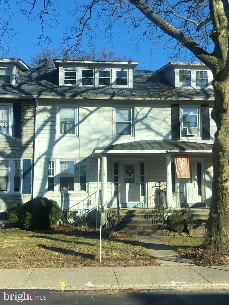 819 MAIN STREET, SHOEMAKERSVILLE, PA 19555