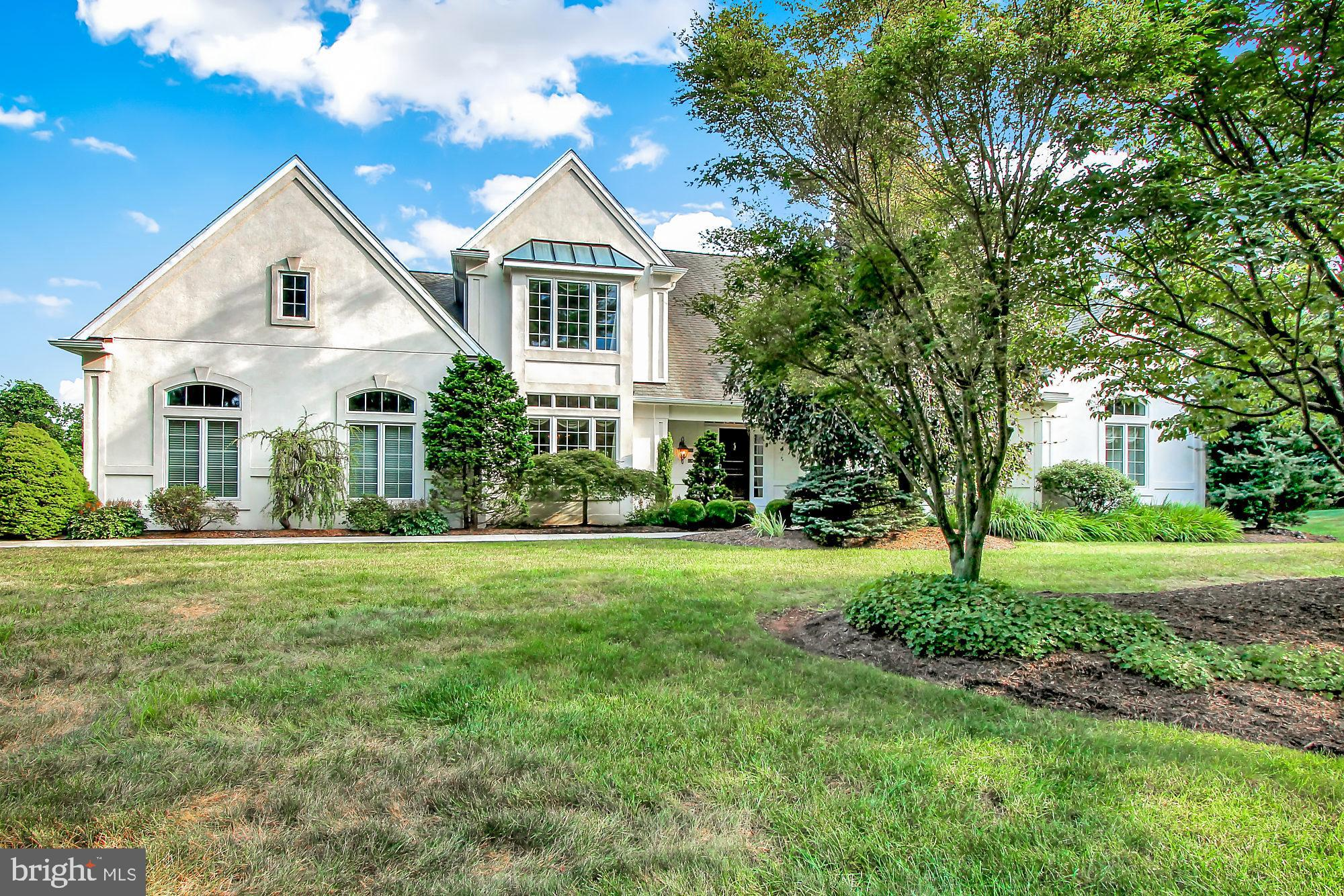14 CHESTNUT HILL DRIVE, MOHNTON, PA 19540