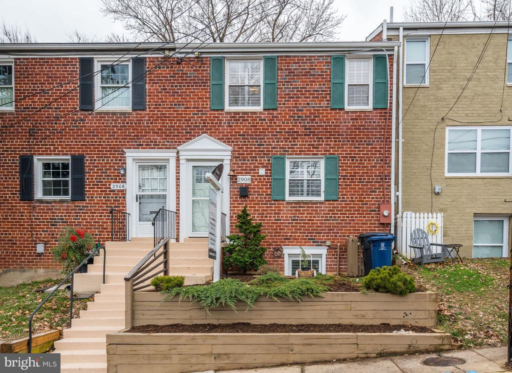 One of Alexandria 4 Bedroom Homes for Sale at 2908  HICKORY STREET