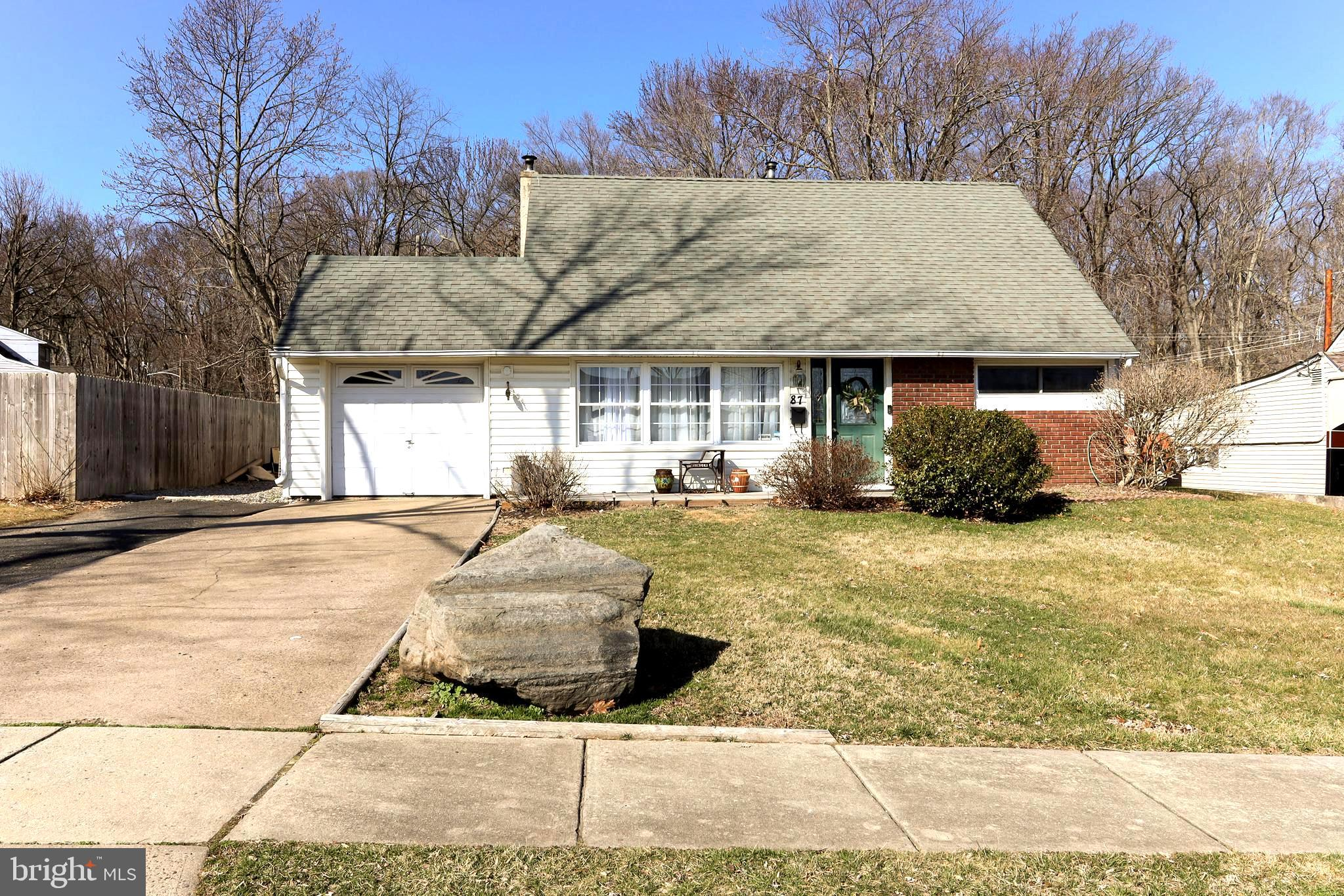 87 VERMILLION DRIVE, LEVITTOWN, PA 19054