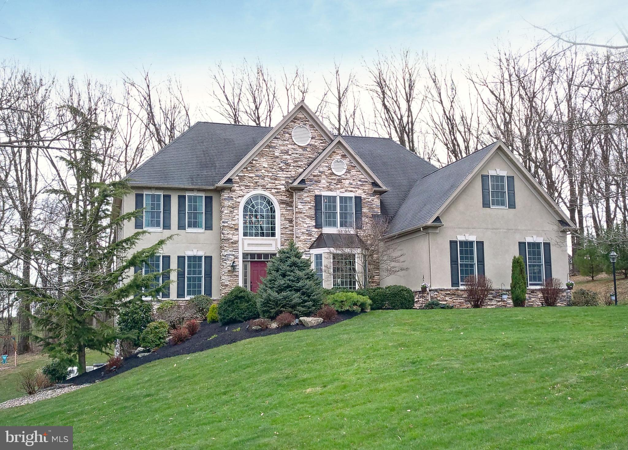 6145 HOLLY COURT, COOPERSBURG, PA 18036