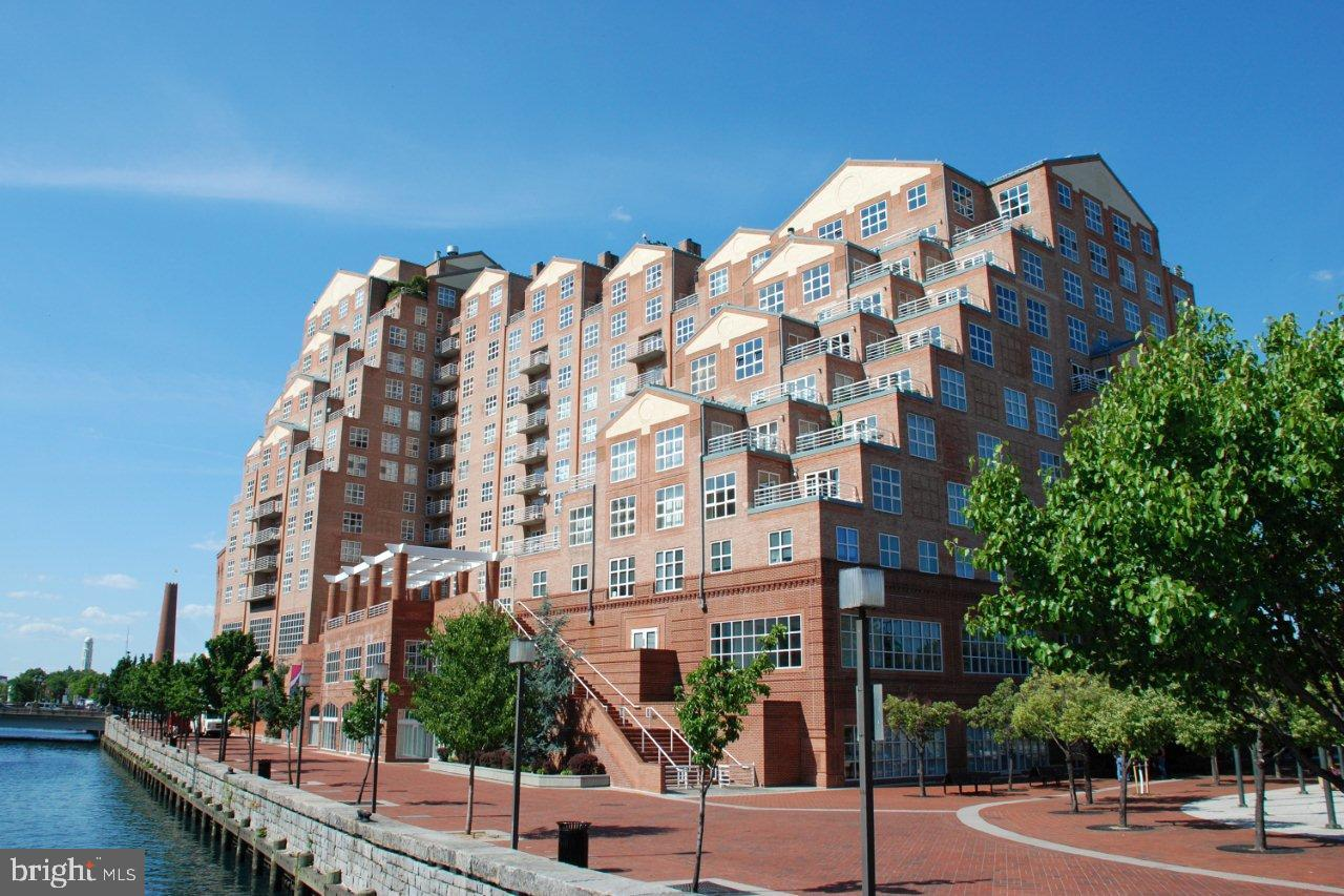 Updated 2 bed / 2 bath condo for lease with a great Inner Harbor / Harbor East location!! Updated wood flooring and kitchen, water view and 1 secure garage parking space. Luxury building with amenities that include 24/7 front desk staff, fitness center and indoor pool. Close to I83! Walk to shopping, restaurants and entertainment. One of the most popular neighborhoods in Baltimore City!