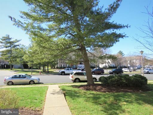 8718 Village Square Dr, Alexandria 22309