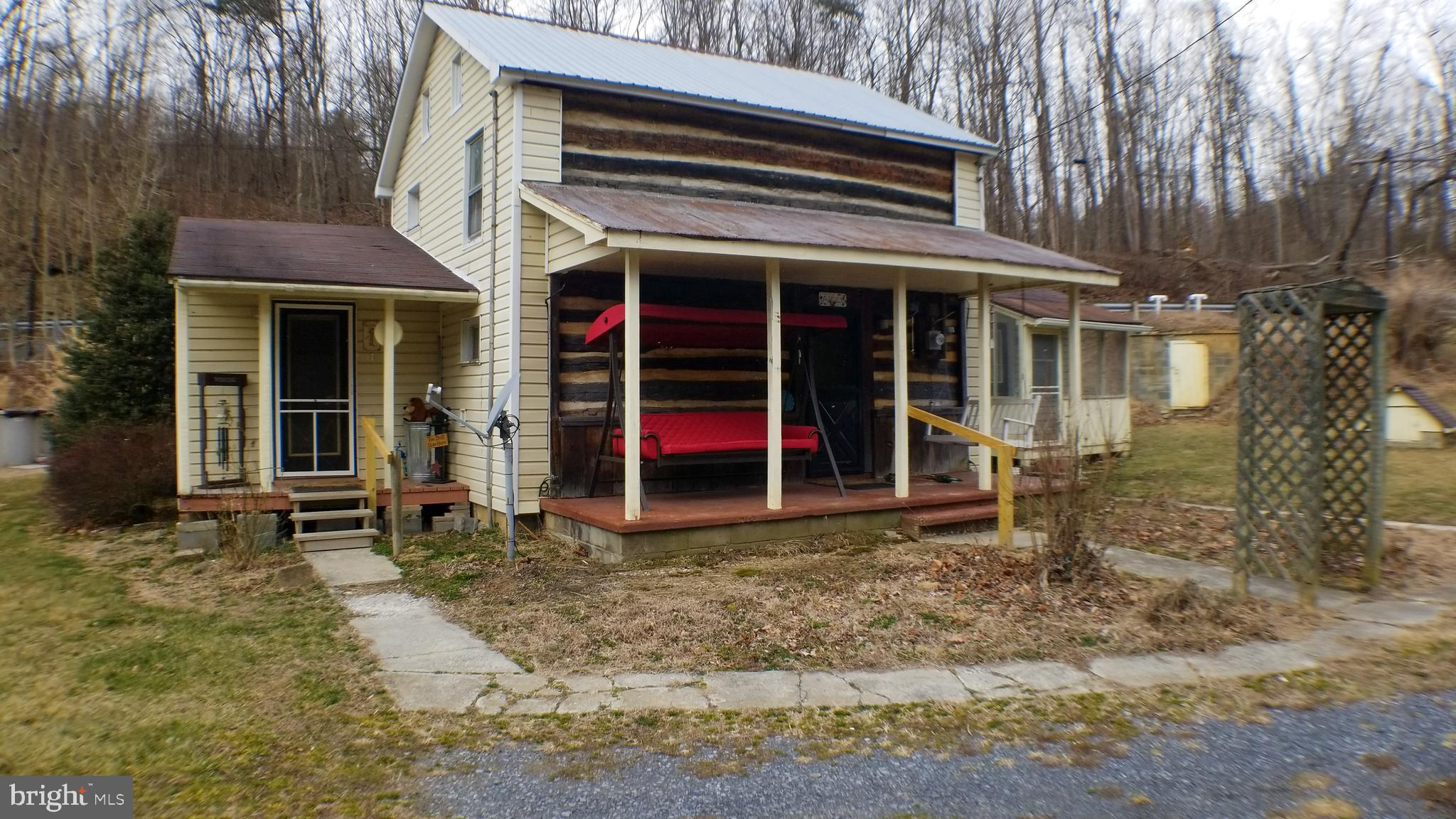 3563 PUMPING STATION ROAD, EAST WATERFORD, PA 17021
