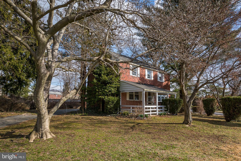 515 Twin Oaks Drive Havertown, PA 19083