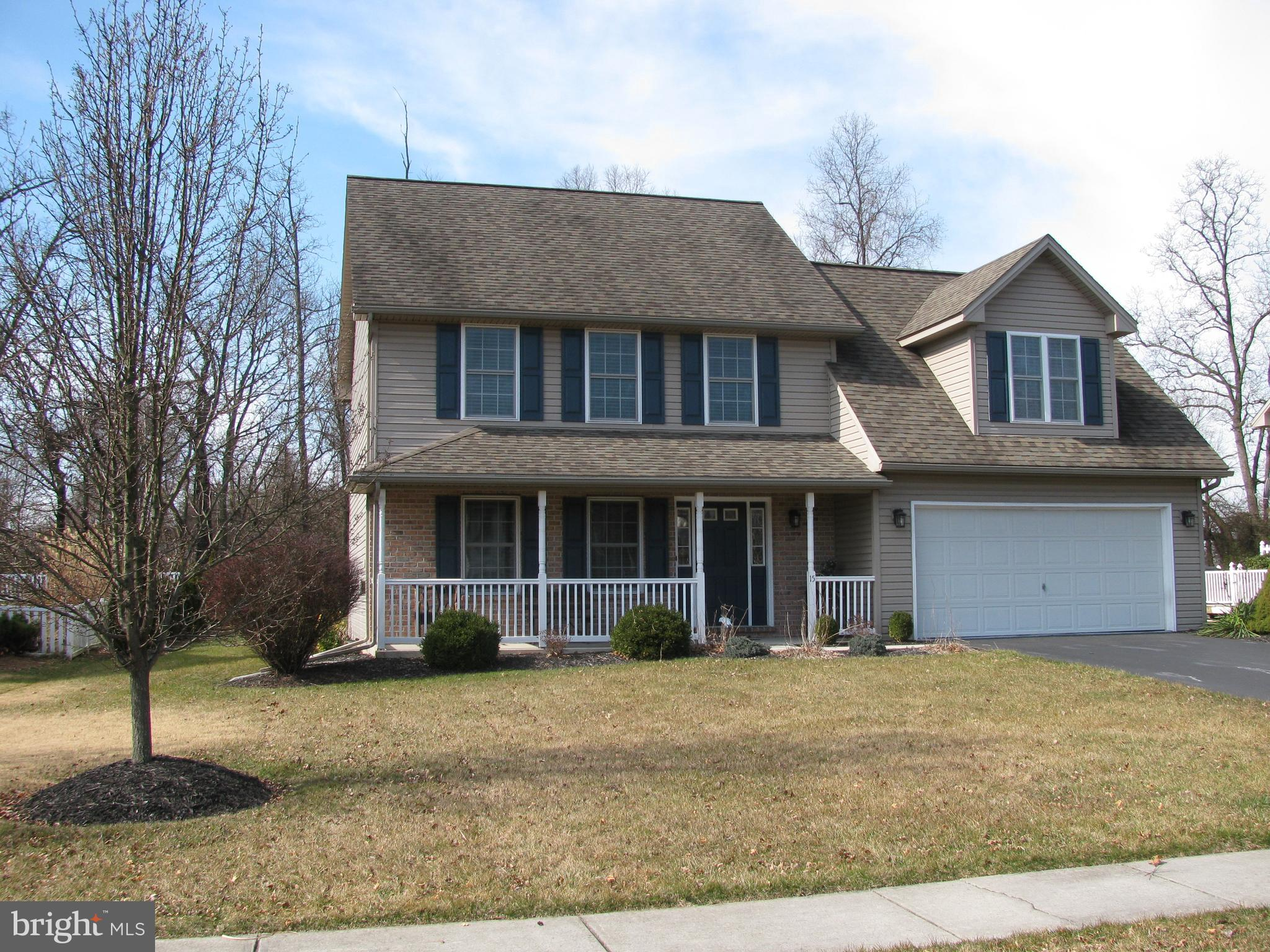 15 WESTGATE DRIVE, MOUNT HOLLY SPRINGS, PA 17065