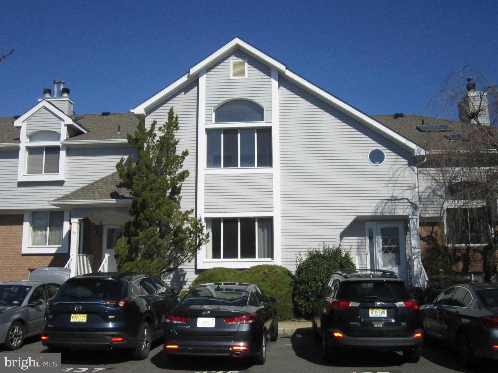 31 DAWN COURT, MONMOUTH JUNCTION, NJ 08852