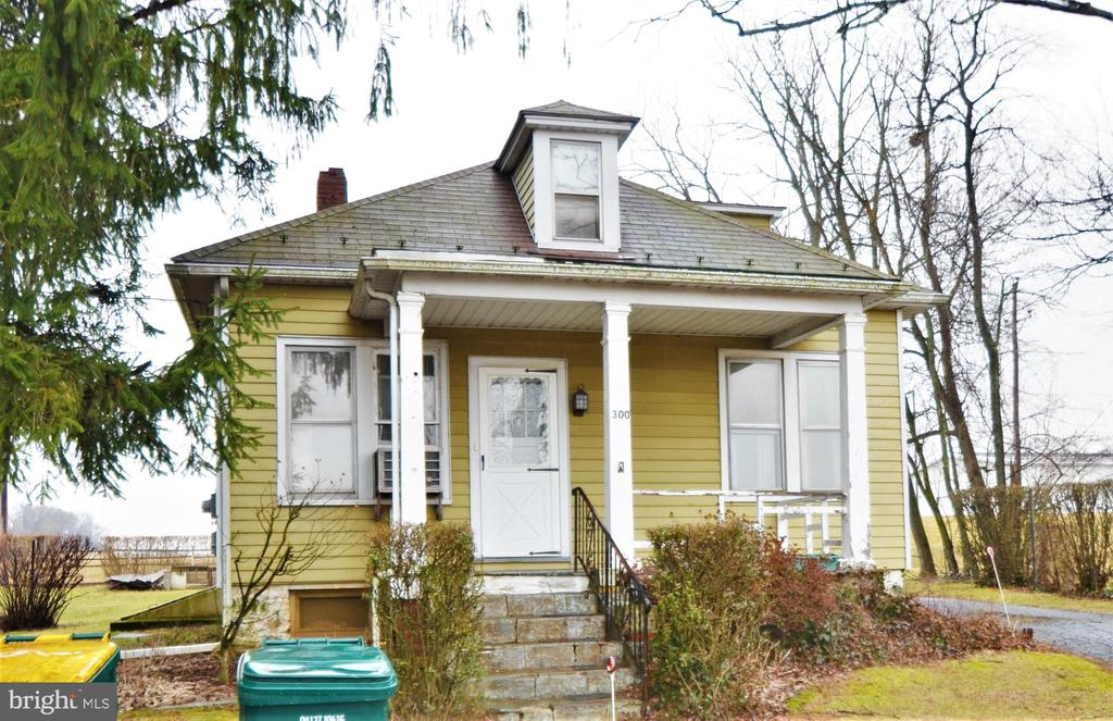 300 S Watson Street, Easton, PA 18045
