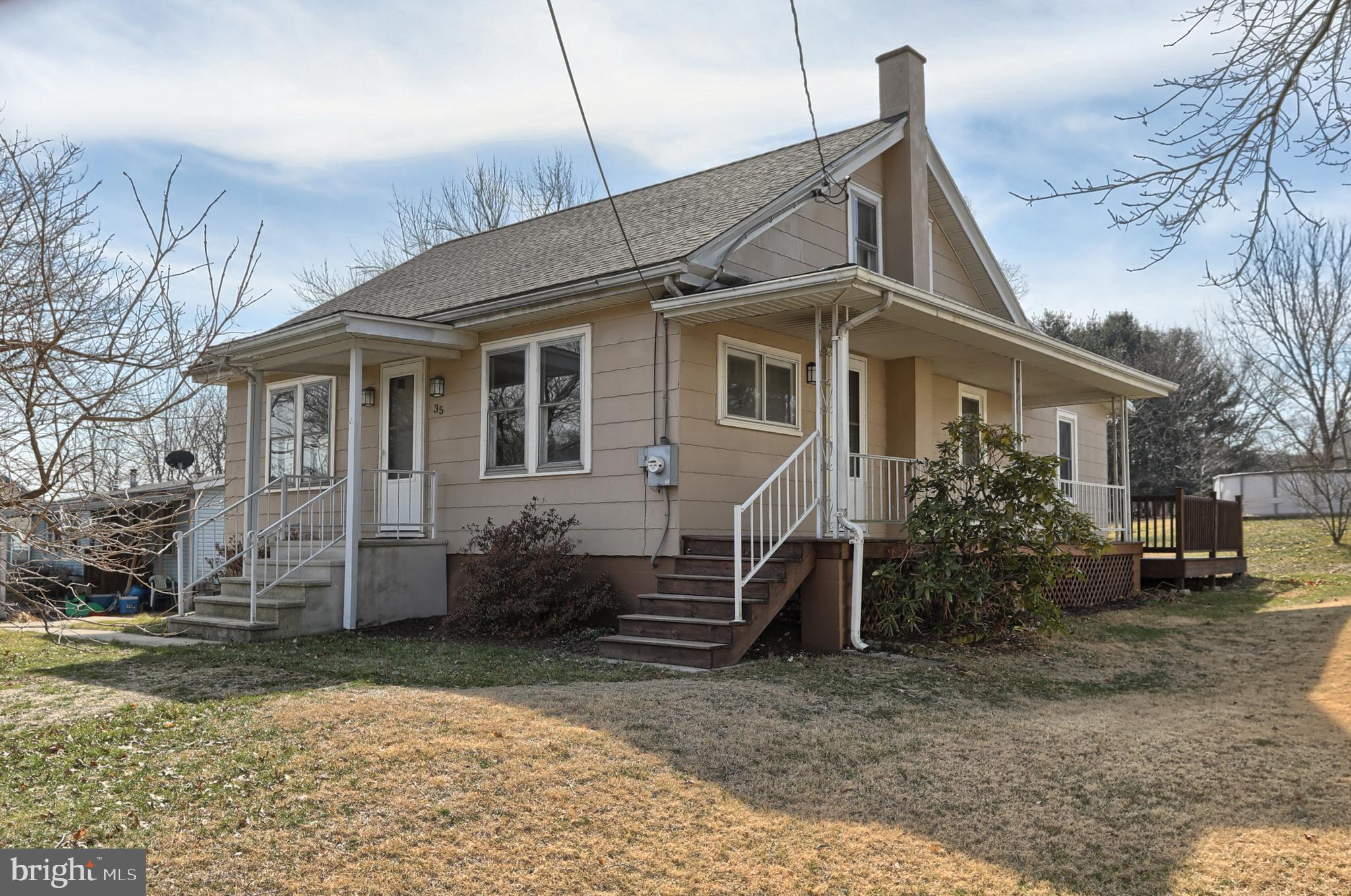 35 N GREENVIEW ROAD, SCHUYLKILL HAVEN, PA 17972