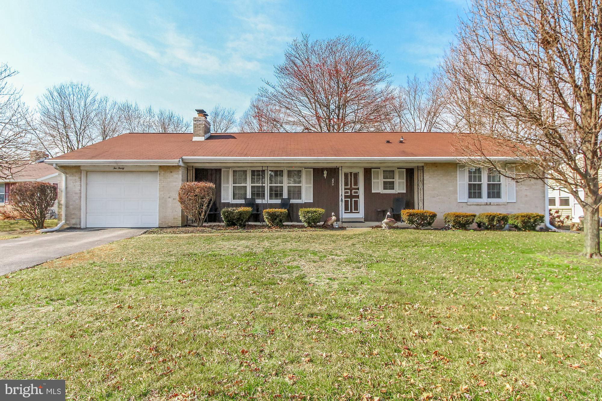 230 EDGEBORO DRIVE, MANCHESTER, PA 17345
