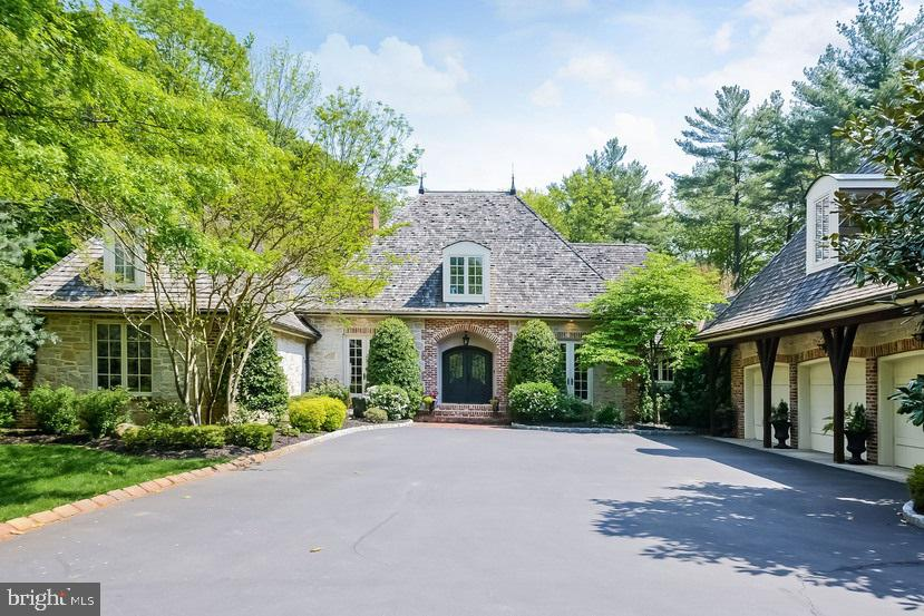 807 RIVERTON ROAD, MOORESTOWN, NJ 08057
