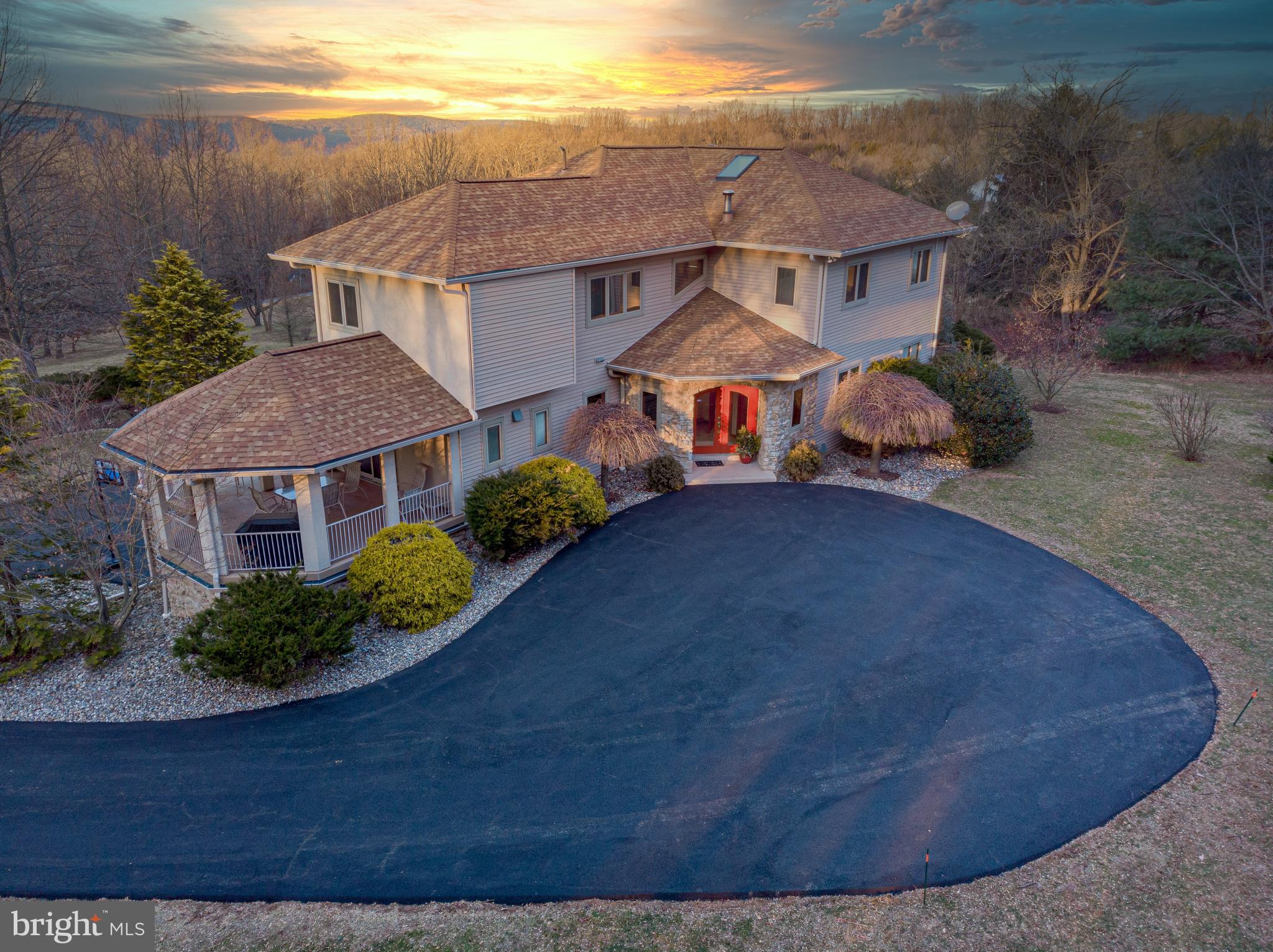 5610 LIMEPORT ROAD, EMMAUS, PA 18049