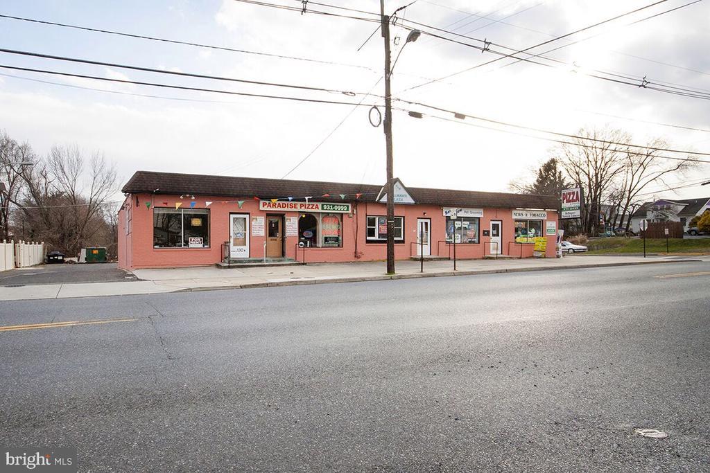 138 W Browning Road, Bellmawr, NJ 08031