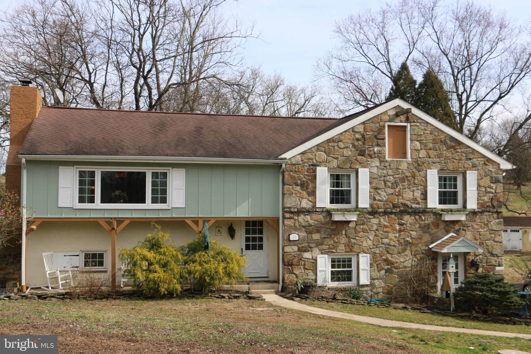 301 SMITH ROAD, SCHWENKSVILLE, PA 19473