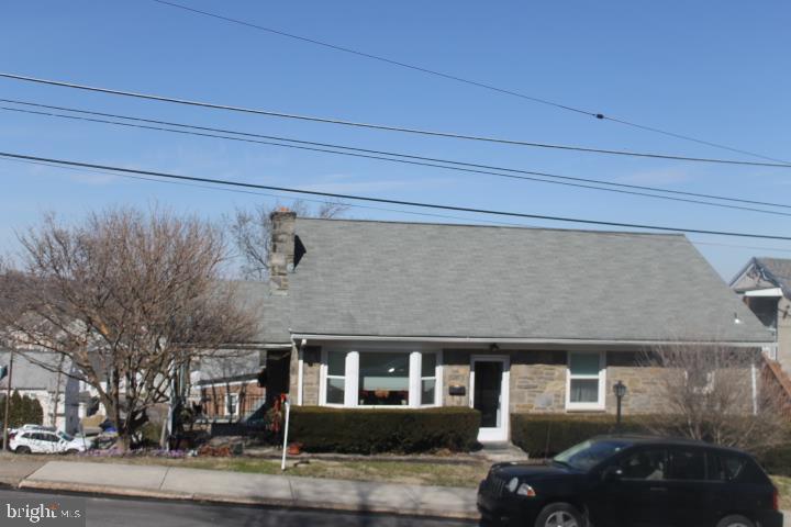 667 GROVE STREET, BRIDGEPORT, PA 19405