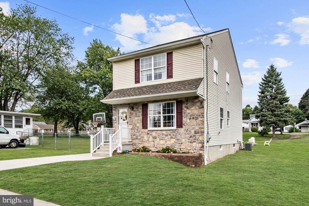 2109 Briarcliff Avenue, Boothwyn, PA 19061