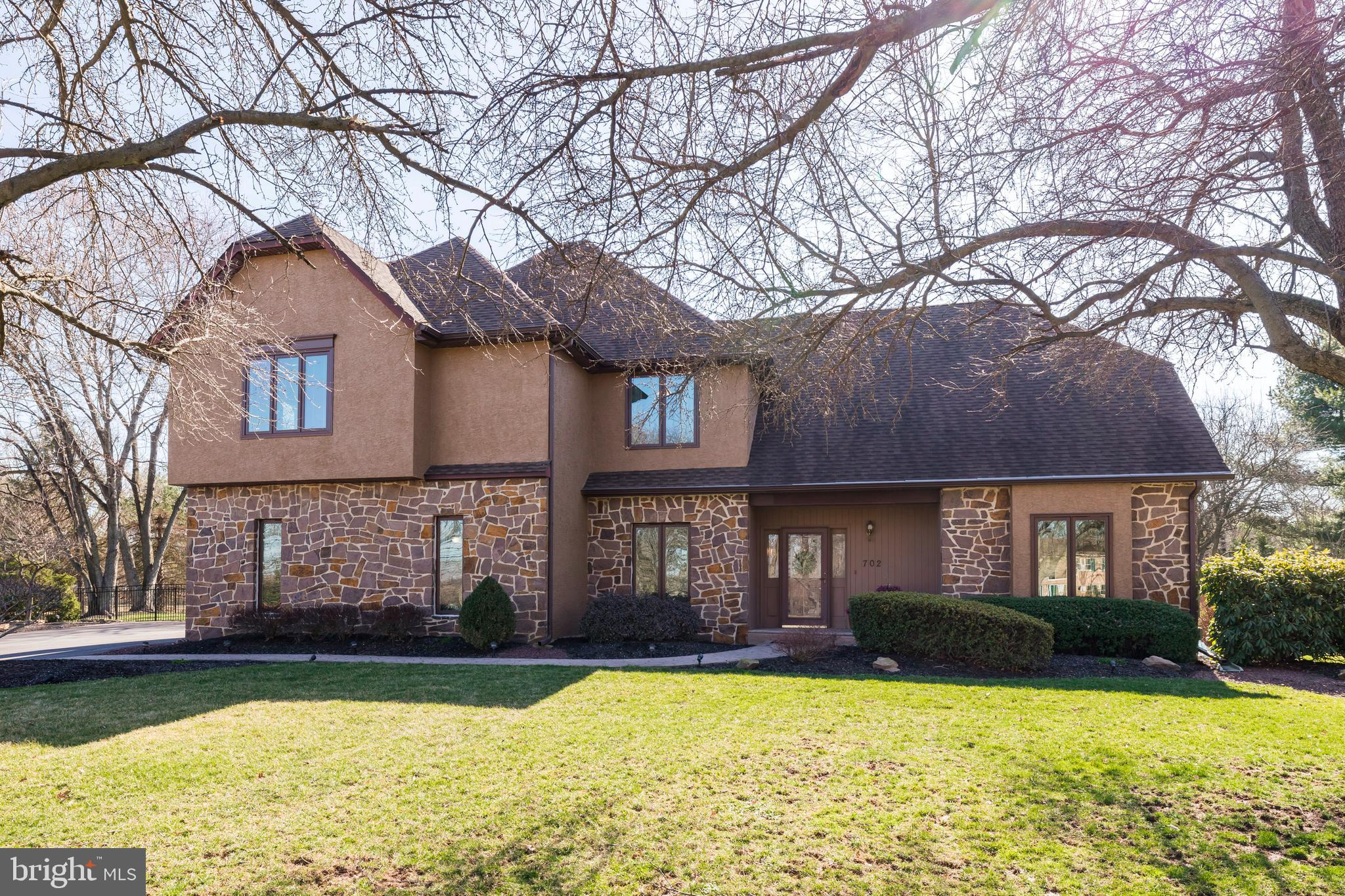 702 ROSEWOOD CIRCLE, COLLEGEVILLE, PA 19426