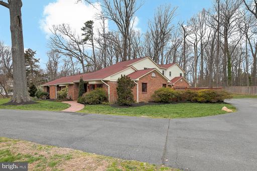 6610 Van Winkle Dr Falls Church VA 22044