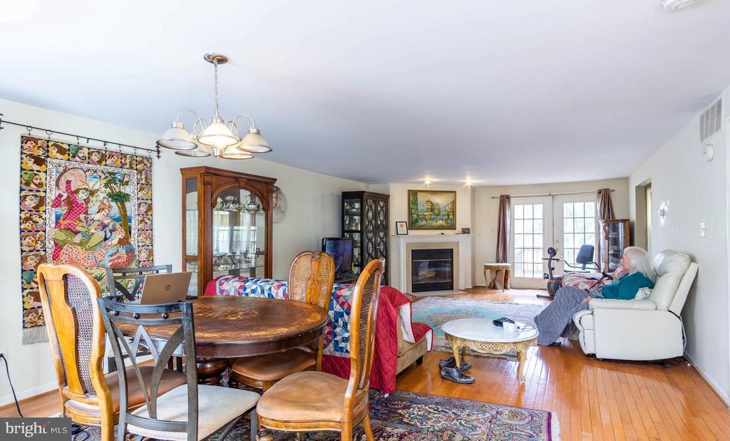 1502 DEER POINT WAY, RESTON, Virginia 20194, 4 Bedrooms Bedrooms, ,3 BathroomsBathrooms,Residential,For Sale,DEER POINT,VAFX1117594