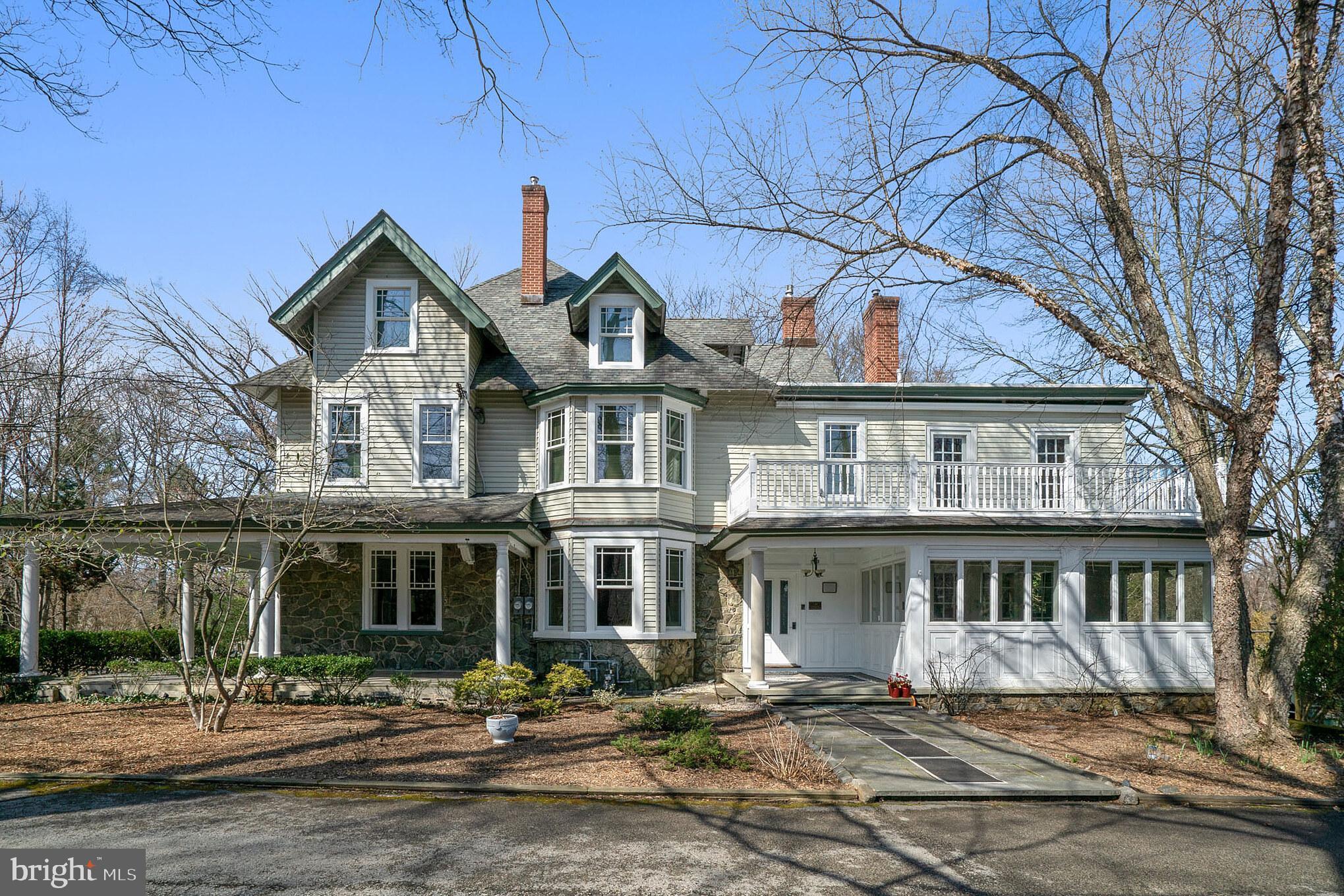 211 Strafford Avenue, Wayne, PA 19087