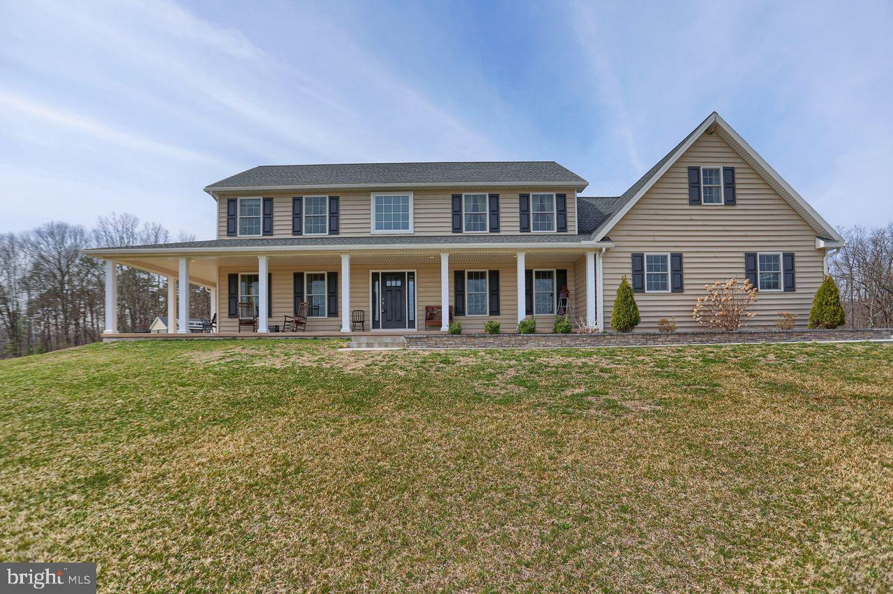704 CREEK ROAD, SHERMANS DALE, PA 17090