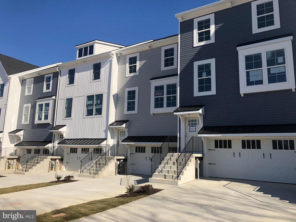 10035 WHITAKER WAY, PARKVILLE, Maryland 21234, 4 Bedrooms Bedrooms, ,3 BathroomsBathrooms,Residential,For Sale,WHITAKER,MDBC479232