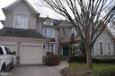 7439 Old Maple Sq