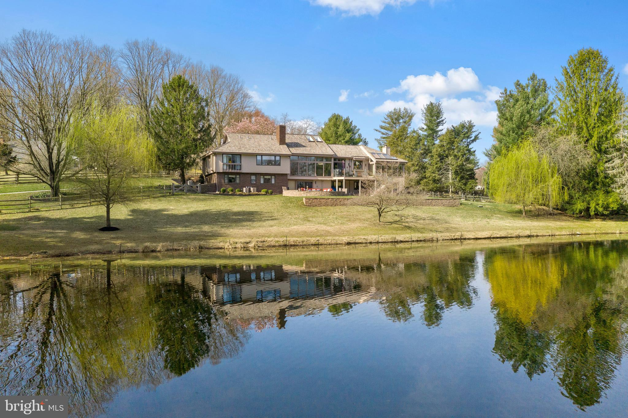8 OAK TREE HOLLOW ROAD, WEST CHESTER, PA 19382