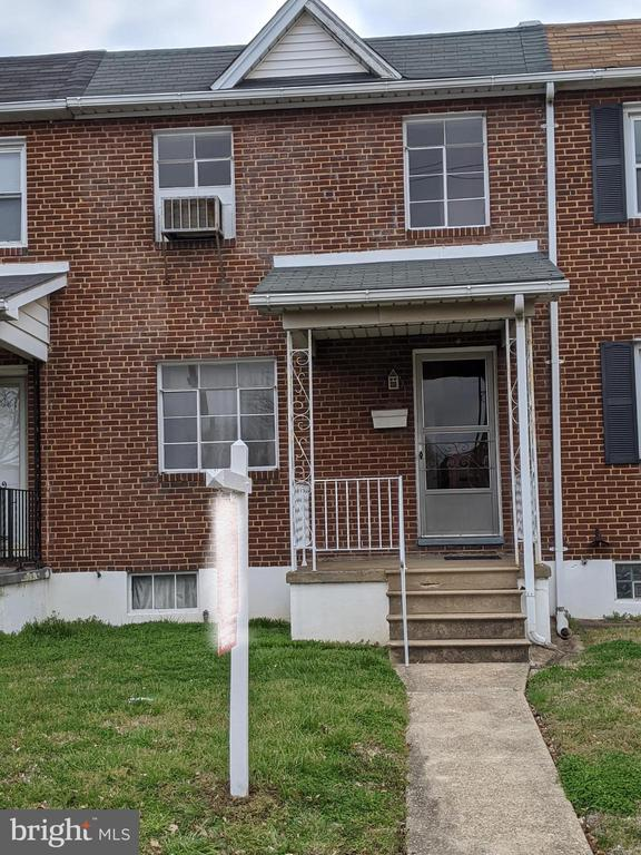 2013 DUNDALK AVENUE, BALTIMORE, BALTIMORE Maryland 21222, 3 Bedrooms Bedrooms, ,1 BathroomBathrooms,Residential,For Sale,DUNDALK,MDBC488682