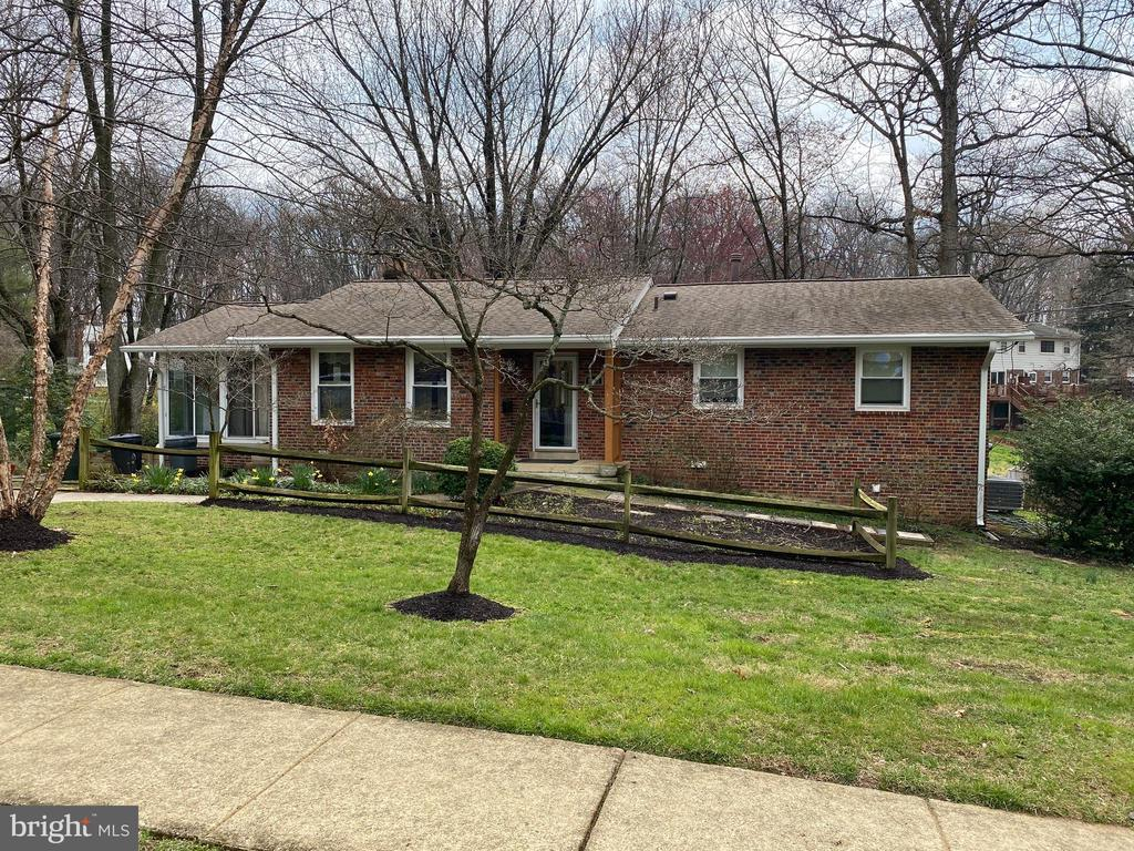 8227 STONEWALL DRIVE, VIENNA, Virginia 22180, 4 Bedrooms Bedrooms, ,3 BathroomsBathrooms,Residential,For Sale,STONEWALL,VAFX1118584