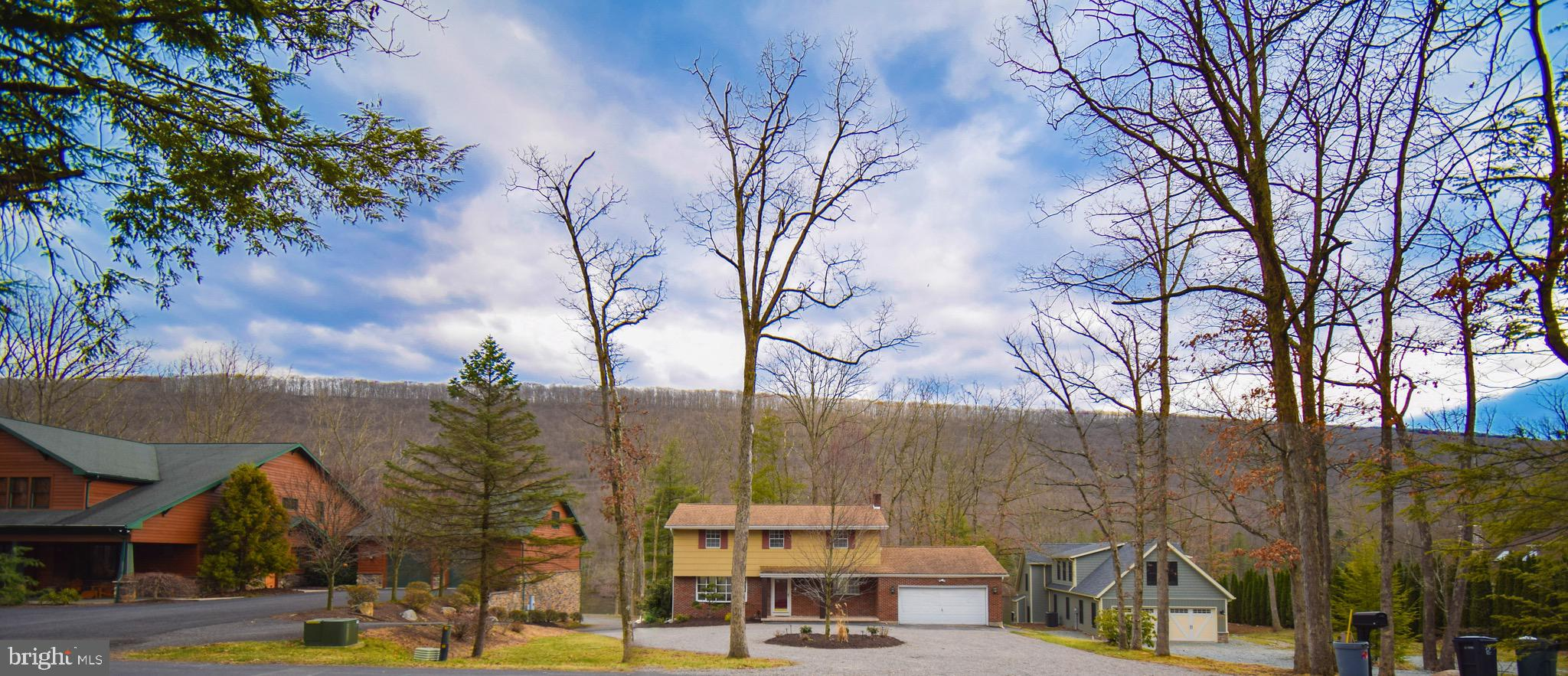 48 GREAT OAKS DRIVE, NESQUEHONING, PA 18240