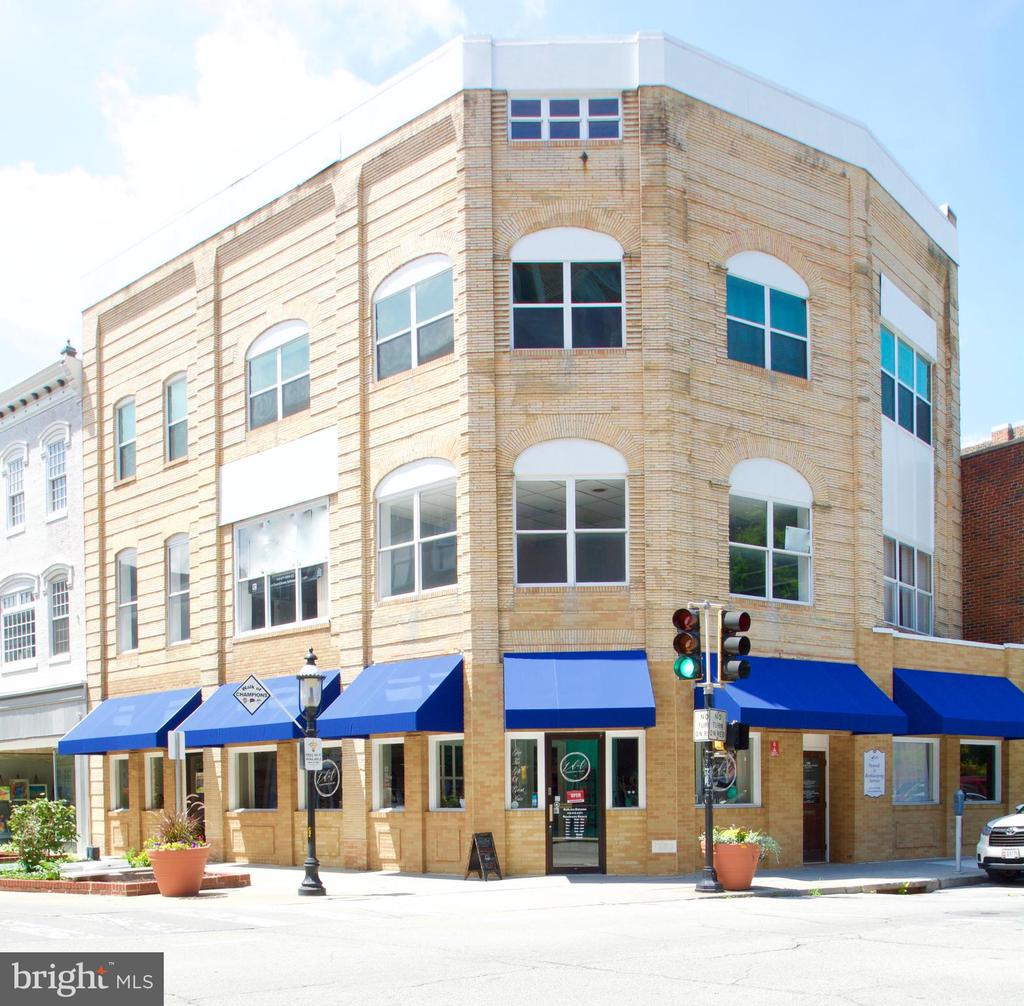 100 DIVISION STREET, SALISBURY, WICOMICO Maryland 21801, ,Commercial Lease,For Rent,DIVISION,2,MDWC107566
