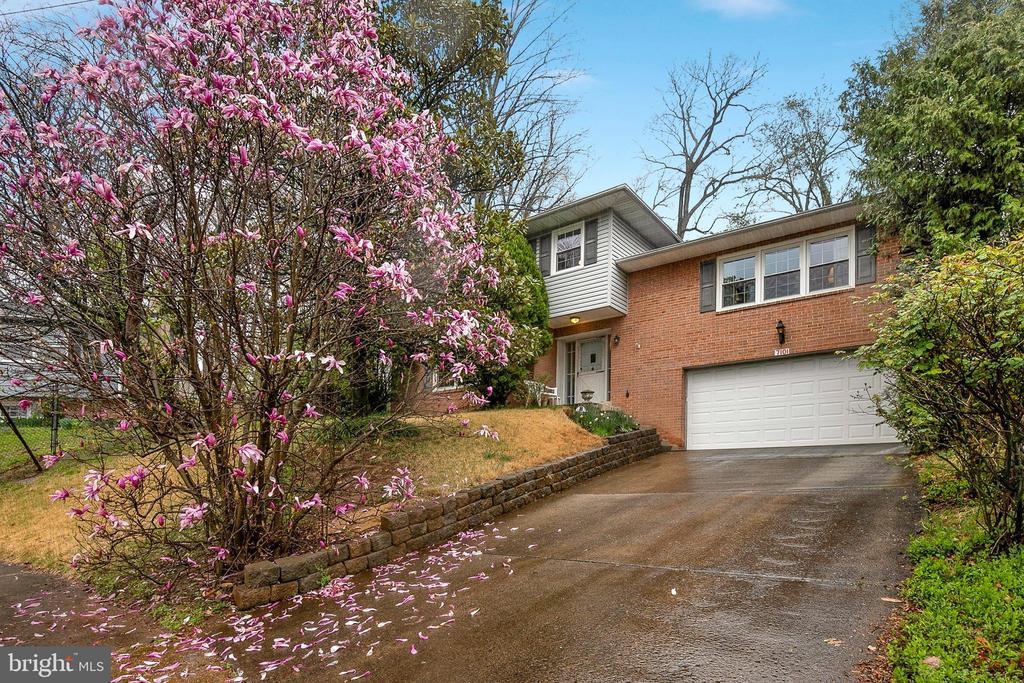 Falls Church Homes for Sale -  Cul De Sac,  7101  MARBURY COURT