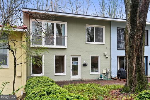 11489 Waterview Cluster